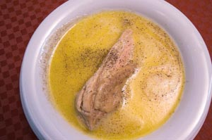 Αλανιάρα κότα σούπα με αυγολέμονο