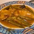 Ροφός με κόκκινη σάλτσα και μπάμιες