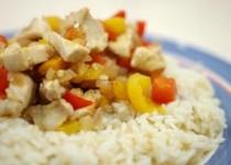 Ρύζι με κοτόπουλο και πιπεριές