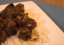 Χοιρινό με κόκκινο κρασί και ρύζι basmati