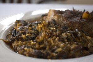 Αρνάκι με φρέσκα κρεμμυδάκια και ρύζι