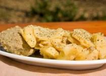Μπιφτέκια με πατάτες στην κατσαρόλα