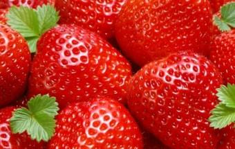 Κανταΐφι με σοκολάτα και φράουλες