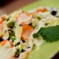 Λάχανο με σάλτσα γιαουρτιού και δυόσμο