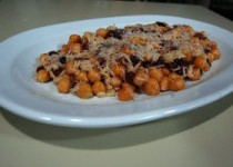 Ρεβύθια με ρύζι & σταφίδες
