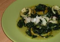 Σπανάκι με καλαμάρια και μπακαλιάρο