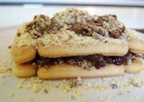 Εύκολο γλυκό με Savoyard και πραλίνα φουντουκιού