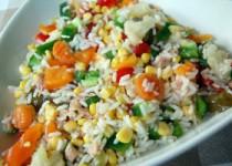 Πολύχρωμη ρυζοσαλάτα