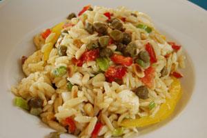 Μεσογειακή σαλάτα κριθαράκι