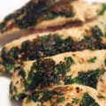 Κοτόπουλο στη λαδόκολλα με σάλτσα πέστο
