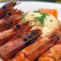 Γαρίδες με κίτρινη σάλτσα