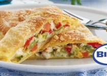 Στρούντελ γεμιστό με κοτόπουλο,μανιτάρια και φρέσκα λαχανικά