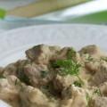 Xοιρινά φιλετάκια με σάλτσα σελινόριζας