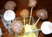 Χριστουγεννιάτικα σοκολατάκια με τυρί κρέμα και φουντούκια