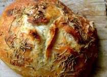 Ψωμί με δεντρολίβανο