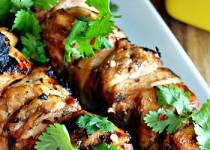 Σουβλάκι κοτόπουλο με σως από μέλι και λάιμ