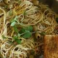 Zυμαρικά με ξύσμα λεμονιού, ελιές και ρίγανη