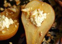 Ψητά αχλάδια στο φούρνο με κάστανα και ανθότυρο