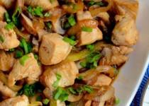 Κοτόπουλο με μανιτάρια, rice wine και σάλτσα στειδιών