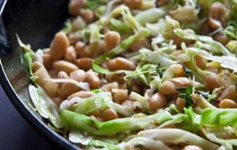 Φασόλια με λάχανο και πατάτες