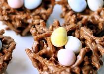 Φωλιές πουλιών με νουντλς και σοκολάτα