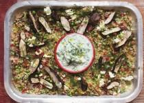 Υπέροχο ελληνικό κοτόπουλο, κουσκούς με λαχανικά και βότανα & τζατζίκι