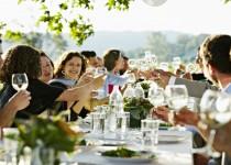 Κυριακάτικο τραπέζι με την οικογένεια