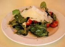 Σαλάτα με ρόκα, πλιγούρι και ντοματίνια